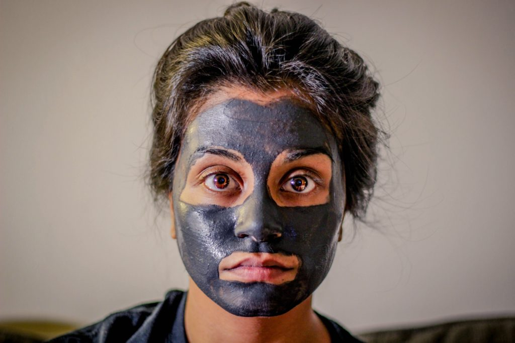 activated-charcoal-face-mask